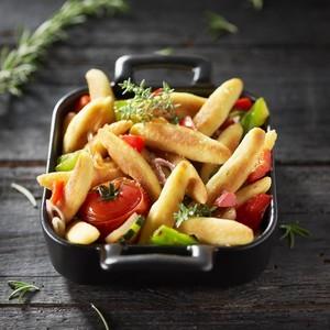 Cassolette aux mini quenelles et aux légumes d'été