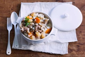 Saut de veau aux poivrons rouges recette iterroir - Cuisine blanquette de veau a l ancienne ...