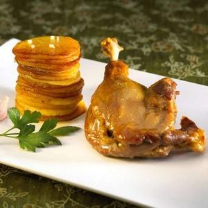 Cuisses de canard confites pommes de terre sarlardaises - Cuisiner des cuisses de canard confites ...