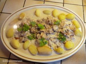 Filets de limande au vin blanc la cr me et aux pommes de terre nouvelles recette iterroir - Cuisiner des pommes de terre nouvelles ...