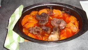 Jarret de boeuf aux carottes recette iterroir - Cuisiner un jarret de boeuf ...