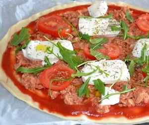 pizza thon et mozzarella recette iterroir. Black Bedroom Furniture Sets. Home Design Ideas