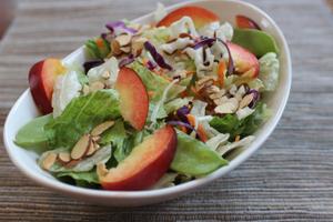 Salade de nectarines et choux