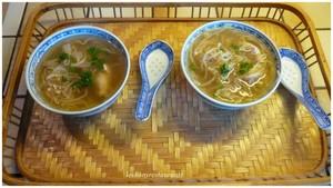 Soupe chinoise aux germes de soja