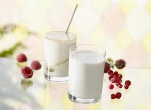 yaourts maison au lait de soja recette iterroir. Black Bedroom Furniture Sets. Home Design Ideas